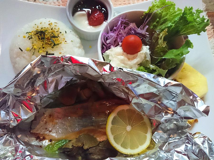 秋鮭ときのこのホイル焼